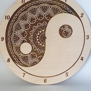 Jin jang motívumos gravírozott fali óra, Dekoráció, Otthon & lakás, Lakberendezés, Falióra, óra, Dísz, Gravírozás, pirográfia, Famegmunkálás, Jin jang motívumos gravírozott fali óra lakkozva. \nNapi inspirációk hatására általam megrajzolt és k..., Meska