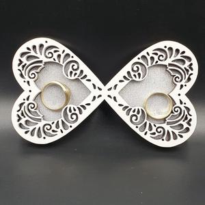 Egyedi esküvői gyűrűtartó tálca esküvőre - esküvő - kiegészítők - gyűrűtartó & gyűrűpárna - Meska.hu