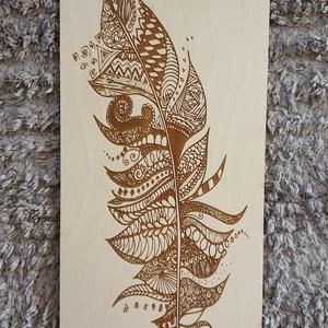 Gravírozott fali kép indián toll mintával gravírozva, Kép & Falikép, Dekoráció, Otthon & Lakás, Famegmunkálás, Festett tárgyak, Gravírozott fali kép indián toll mintával gravírozva mínőségi nyír rétegelt lemezből.\nMérete 25x49 c..., Meska