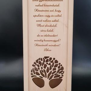Egyedi esküvői szülőköszöntő bortartó esküvőre, Esküvő, Emlék & Ajándék, Köszönőajándék, Gravírozás, pirográfia, Famegmunkálás, Saját tervezésű egyedileg rajzolt mintával kivágott bortartó esküvőre, èvfordulóra emlékbe.\nAnyaga n..., Meska