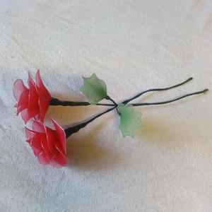 Rózsaszál, Otthon & lakás, Dekoráció, Dísz, Mindenmás, Virágkötés, Kézzel készült, örök emlék.\nHarisnyavirág, rózsa.\nMinden színből 2 db van, de kérésre szívesen csiná..., Meska