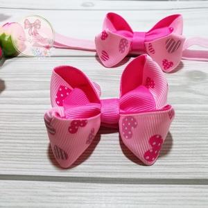 Rózsaszín pink szíves masni hajpánt, hajcsat, hajgumi, Hajráf & Hajpánt, Hajdísz & Hajcsat, Ruha & Divat, Varrás, A masni pink szalagból és rózsaszín alapon szív mintás szalagból készült. \n\nMasni mérete: 6 x 6,5 cm..., Meska