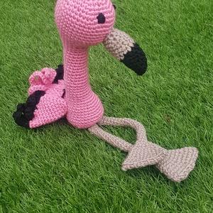 Horgolt flamingo, Madár, Plüssállat & Játékfigura, Játék & Gyerek, Horgolás, Édes, puha flamingo horgolt amigurumi. \nMagassága ülve: 20 cm\nTeljes hossza 35 cm\n\nCsak postán marad..., Meska