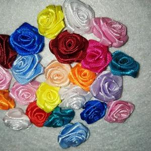 Rózsa, Otthon & Lakás, Dekoráció, Patchwork, foltvarrás, Szatén szalagból készült rózsák, saját készítésű! Nem hullanak szét, nem deformált, olyan, amilyenne..., Meska