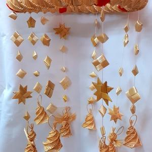 """Karácsonyi \""""szélcsengő\"""" angyalkákkal, csengőkkel..., Karácsony & Mikulás, Karácsonyi dekoráció, Fonás (csuhé, gyékény, stb.), A szalmából készült karácsonyi szélcsengőn angyalkák, csengőcskék, csillagok és szalmából készült gy..., Meska"""