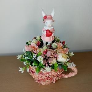 Húsvéti asztaldísz , Otthon & Lakás, Dekoráció, Asztaldísz, Virágkötés, Mindenmás, 11cm átmérőjű csészében készült húsvéti asztaldísz. \nTeljes magassága kb. 18cm., Meska
