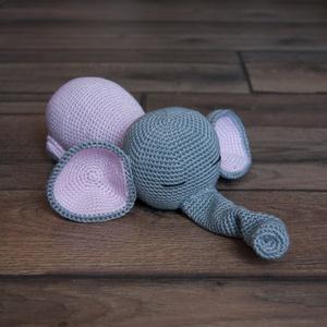 Szundizó Fáni, Elefánt, Plüssállat & Játékfigura, Játék & Gyerek, Horgolás, Varrás, Csak csendesen! Épp alszom. Egy ilyen hatalmas és szép elefántnak is kell néha aludnia különben nem ..., Meska