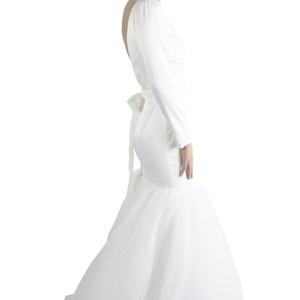 menyasszonyi ruha, Esküvő, Menyasszonyi ruha, Varrás, Diplomamunkára készült 38as menyasszonyi ruha. Méretre igazítás az árban van. Tüll szoknyarészes sel..., Meska