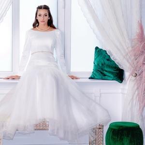 menyasszonyi ruha, Menyasszonyi ruha, Ruha, Esküvő, Varrás, 38as menyasszonyi ruha. Méretre igazítás az árban van. Tüll szoknyarészes sellő fazonú, háta V-alakb..., Meska