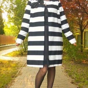 Masnis csíkos ruha, Ruha & Divat, Női ruha, Kabát, Egyenes szabású, fekete-fehér csíkos átmeneti kabát. Rendeléshez, mell, derek, csípő méretek szükség..., Meska