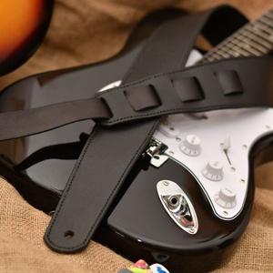 Gitár heveder, Művészet, Hangszer & Hangszertok, Bőrművesség, Ne csak a játékod legyen különleges, hanem a hevedered is! :) \nEgyedi, személyre szabott gitár heved..., Meska
