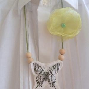 Lepke tánc zöld organza virággal (Szaszi) - Meska.hu