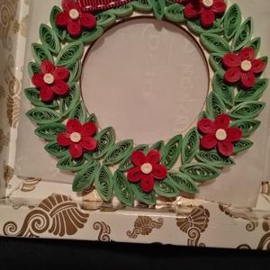 Koszorú karácsonyfa dísz, Otthon & Lakás, Karácsony & Mikulás, Karácsonyfadísz, Mindenmás, Papírművészet, Díszítsd saját karácsonyfádat, lakásodat vagy add ajándékként ezt a papírcsíkokból készült koszorú a..., Meska