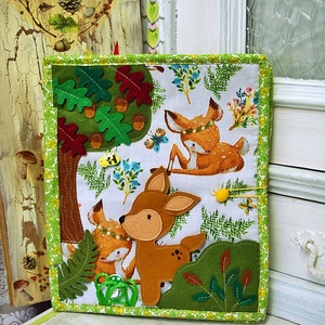 Őzikés erdős könyv - csendeskönyv, Játék & Gyerek, Textilkönyv & Babakönyv, Varrás, Horgolás, Kedvenc témámról szól ez a textilkönyv , az erdőről . Gombolható gombák  és a hátlapon fenyőfák vann..., Meska