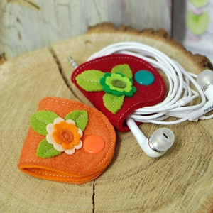 Fülhallgató tartó-piros-narancs szett, Kábelrendező, Laptop & Tablettartó, Táska & Tok, Varrás, Praktikusak , picik és cukik ! Egy mozdulat és nincs több rendetlenkedő zsinór . Gyapjúfilcből készü..., Meska