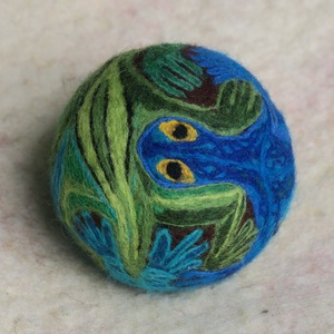 ET SERPENTIUM, Művészet, Textil, Nemezelt, Nemezelés, Birkagyapjúból nemezeléssel készült labda. Alapanyaga: kézművesek ellátására szakosodott nyersanyagb..., Meska