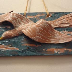 Szárnyalás - falikép, Otthon & Lakás, Dekoráció, Falra akasztható dekor, Magányos madár keres kellemes fészket! Ez az otthonra vágyódás egy 26 x 12 cm-es négyszögbe van fogl..., Meska