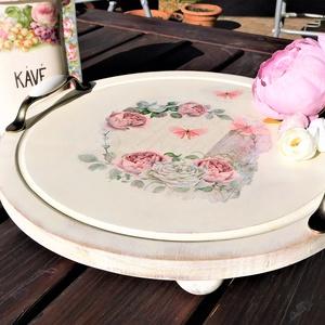 tálca, vintage tálca, romantikus tálca, rózsás tálca, torta tartó, Otthon & Lakás, Konyhafelszerelés, Tálca, Festett tárgyak, Fa tálca. Rózsás mintával decoupage technikával díszítettem. Elefántcsontszínűre festettem, koptatva..., Meska