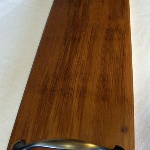 Kínáló 3, Tálca, Konyhafelszerelés, Otthon & Lakás, Famegmunkálás, Mahagóni fából készült tálca, kínáló.\nMérete: 47 x 15 x 2.5 cm. Természetes, nehéz viaszolajjal felü..., Meska