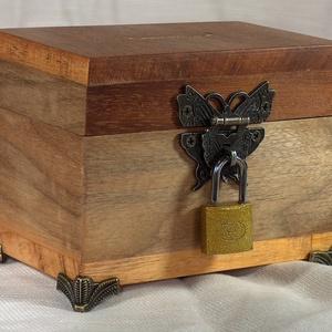 Persely5, Otthon & Lakás, Lakberendezés, Famegmunkálás, Kincsesládika, több fajta  fából készült persely. Mérete: 8 x 13 x 10 cm., Meska