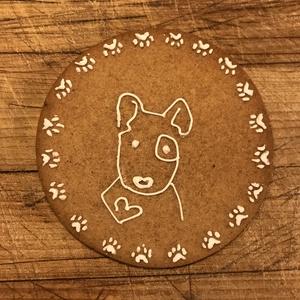 Mézeskalács bullterrier-rajongónak, Édesség, Élelmiszer, Mézeskalácssütés, Mézeskalácsból készült, kutyás rajzzal készített figura.\nMérete 13 cm.\nHa másféle díszítést szeretné..., Meska