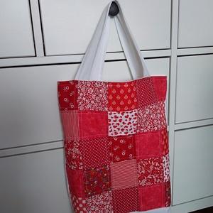 piros-fehér patchwork mintás bevásárló táska, NoWaste, Bevásárló zsákok, zacskók , Patchwork, foltvarrás, Ha szeretnéd színesíteni a bevásárlásaidat, vagy az ebédedet egy különleges táskában vinni a munkahe..., Meska
