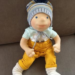 Waldorf baba, Játék & Gyerek, Baba & babaház, Baba, Baba-és bábkészítés, Varrás, 43 cm gyapjúval töltött baba. Igazi kis baba forma a haja szempilla fonalall készült a ruháit sajnos..., Meska