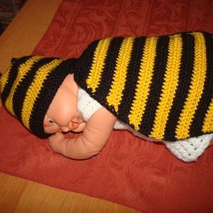 """Horgolt méhecske jelmez \""""Zümi\"""", Táska, Divat & Szépség, Gyerekruha, Ruha, divat, Gyerek & játék, Baba (0-1év), Horgolás, Babafotózásra készítettem el ezt a tündéri horgolt méhecske jelmezt. Méz sárga  és fekete fonal   vá..., Meska"""