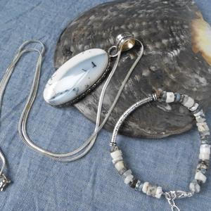 Dendrites opál medál és karkötő szett, nyaklánccal, Ékszer, Ékszerszett, Ékszerkészítés, Dendrites opál medál, a hozzá illő karkötővel. A foglalat, a nyaklánc és a karkötő kellékei mind ste..., Meska