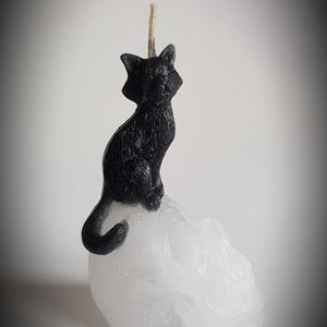 Koponyán ülő cica gyertya (Szerelmesgyertya) - Meska.hu