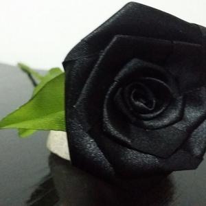 Fekete selyem rózsa szál (Szevimamarozsakertje) - Meska.hu