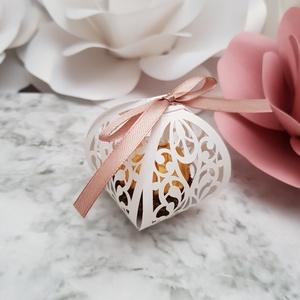 Ornament Ball Köszönetajándék Dobozka, Esküvő, Esküvői dekoráció, Meghívó, ültetőkártya, köszönőajándék, Papírművészet, Mini, elegáns vágott mintájú dobozka, mely ideális esküvőkre köszönetajándéknak, ugyanis éppen akkor..., Meska