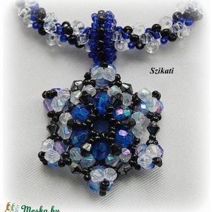 Jeges kékség - gyöngyfűzött nyaklánc medállal (szikati) - Meska.hu