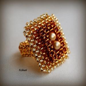 Elegáns arany gyöngyfűzött koktélgyűrű teklával (szikati) - Meska.hu