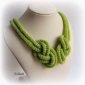 Zöld gyöngyfűzött nyaklánc (szikati) - Meska.hu