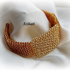 Elegáns arany gyöngyfűzött karkötő (szikati) - Meska.hu