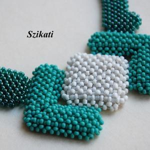 Menta-zöld gyöngyfűzött nyakék (szikati) - Meska.hu