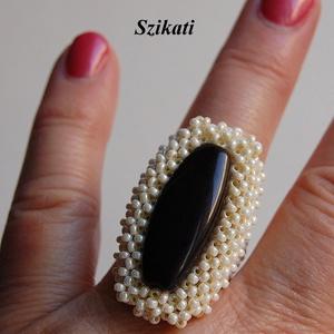 Elegáns gyöngyfűzött koktélgyűrű (szikati) - Meska.hu