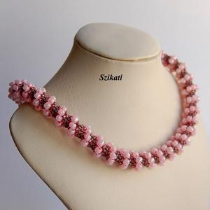 Rózsaszín - szürke gyöngyfűzött nyaklánc, Ékszer, Nyaklánc, Gyöngyös nyaklác, Ékszerkészítés, Gyöngyfűzés, gyöngyhímzés, Meska