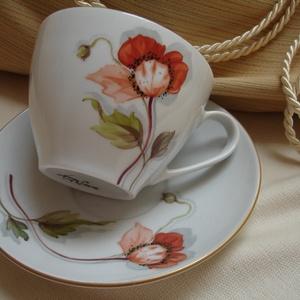 Pipacs virággal díszített teás-kávés porcelán csésze és alsó, Bögre & Csésze, Konyhafelszerelés, Otthon & Lakás, Festett tárgyak, Kerámia, Pipacsos mintával megfestett porcelán csésze alsóval, aranyozás 18 karátos arany.\nKézzel festett egy..., Meska