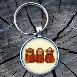 Bölcs majmok- Üveglencsés fém kulcstartó, Egyéb, Táska, Divat & Szépség, Férfiaknak, Kulcstartó, táskadísz, Nem látunk, nem hallunk, nem beszélünk.... ;)  3 cm átmérőjű fém alapra készült ez a kulcstartó.  Te..., Meska