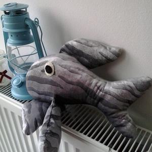 Ezüstke a hal..., Játék & Gyerek, Plüssállat & Játékfigura, Hal, Ficánka a halacska nagyon várja, hogy gazdija kedves helyet találjon neki...Ágyban, széken, párnán....., Meska