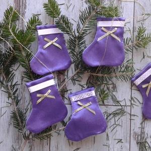 Lila zoknisor..., Karácsony & Mikulás, Karácsonyfadísz, Ez a zokni függődísz szett otthonossá varázsolja a lakásodat az ünnepek alatt.  A zoknik a kandallód..., Meska