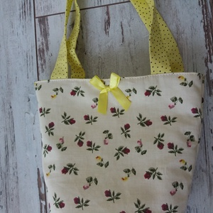 Virágos, pöttyös tojásgyüjtő táska, Táska, Divat & Szépség, Gyerek & játék, Húsvétkor szokás a kertben elrejtegetni a gyerekeknek csokit, tojást...Ez a táska a begyűjtésben seg..., Meska
