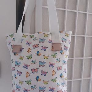 Pille, pille pillangó táska, Táska & Tok, Kézitáska & válltáska, Válltáska, Ez a táska egyszerre divatos és egyszerre romantikus, valamint praktikus és dísze lehet öltözékünkne..., Meska