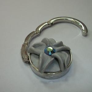Swarovski kristály virág táska akasztó! - táska & tok - kulcstartó & táskadísz - táskaakasztó - Meska.hu