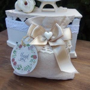 """eskövői köszönetajándék, Esküvő, Emlék & Ajándék, Köszönőajándék, Varrás, Kézműves Esküvői köszönet ajándék. méretei: 10cm x 13cm, tartalmaz 5db mandulás \""""confetti\"""" cukorkát...., Meska"""