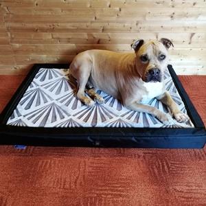 Új, egyedi, minőségi, lehúzható és mosható XXL kutyafekhely, kutyaágy, Otthon & lakás, Lakberendezés, Állatfelszerelések, Kutyafelszerelés, Varrás, -Mérete: 110 cm X 80cm ; perem magassága 10 cm; fekvőfelülete 7 cm\n-Cipzáron keresztül eltávolítható..., Meska
