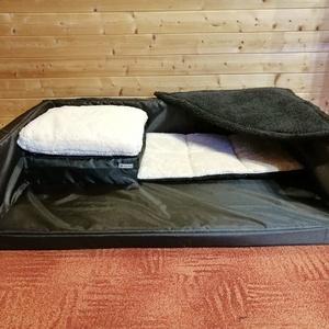 Egyedi, minőségi, lehúzható és mosható kutyafekhely, kutyaágy, Otthon & lakás, Lakberendezés, Állatfelszerelések, Kutyafelszerelés, Varrás, -Mérete: 110cm  X  75 cm ; perem magassága 20 cm; fekvőfelülete 5 cm + 3 cm steppelt matrac\n-Cipzáro..., Meska