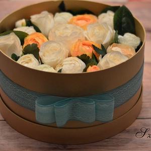 Élethű óriási virágdoboz 28 cm, Dekoráció, Otthon & lakás, Csokor, Lakberendezés, Asztaldísz, Mindenmás, Élethű selyemvirágokból, romantikus stílusban készítettem el ezt a csodaszép órási virágdobozt.\n\nA k..., Meska
